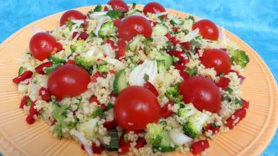 coriandre feuilles deshydraté : Assiette de taboulé façon libanaise
