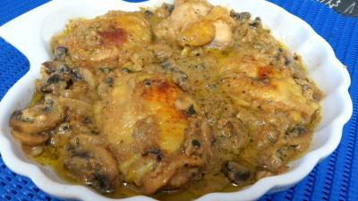 Image : Plat de blancs de poulet aux cachuètes