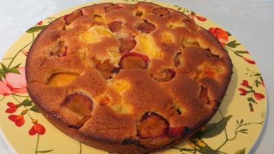 Plat de gâteau aux nectarines