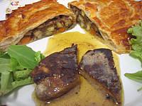 foie gras et son chausson aux cèpes et panais
