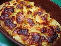 Image : Gratins - Un plat de gratin de pommes-de-terre à la mozzarella