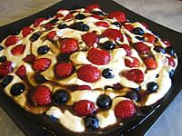 Image : Entremet - Mascarpone aux fraises et aux myrtilles