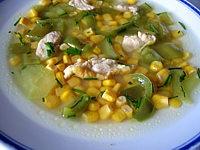 maïs doux : Assiette de potage aux poivrons et maïs