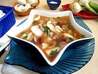 plat unique : Soupière de soupe de morue aux champignons