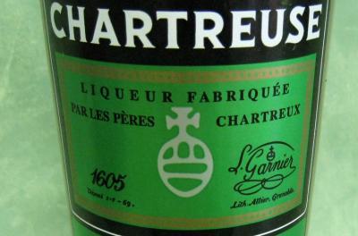 Image : Chartreuse (liqueur) - Bouteille de liqueur de chartreuse