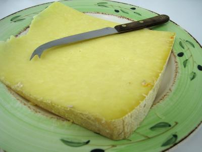 Image : Cantal - Fromage cantal en morceau