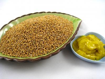 Image : Moutarde - Graines de moutarde et moutarde