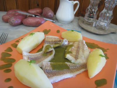 Image : Plat de colin en sauce verte