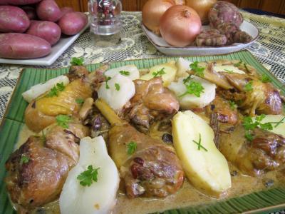 recette abattis : Assiette de service d'abatis et pilons en blanquette