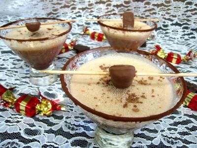 cocktail : Verres de cocktail au chocolat et au caramel