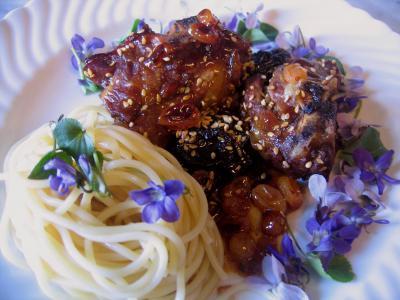 Recette Assiette d'agneau aux violettes et aux graines de sésame