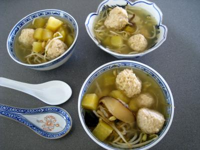Potage au chinois et sa boulette de porc