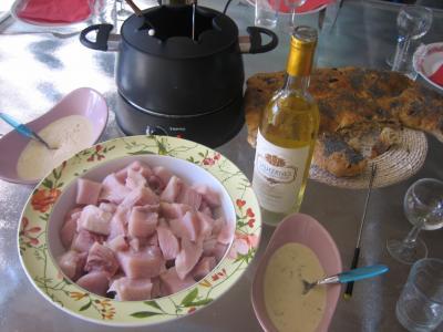 Image : Fondue chinoise - Dégustation de la fondue à l'espadon