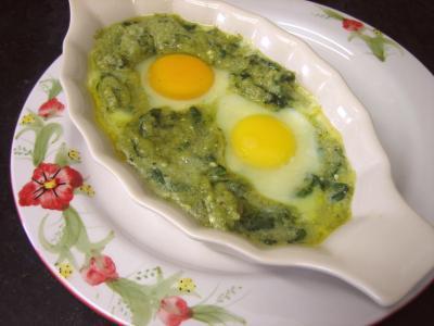 cassolette : Cassolette d'oeufs aux restes de purée de brocolis