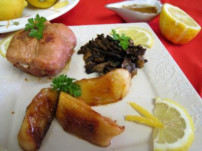 oignon grelot : Assiette de paupiettes au citron, cèpes et pommes