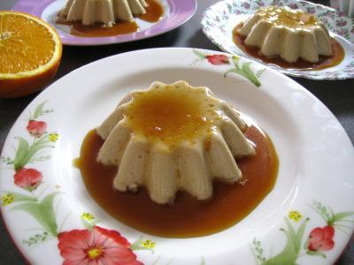 sauce pour desserts : Panna cotta vanille et sauce caramel à l'orange