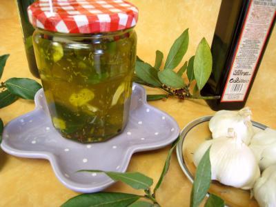 conserve à l'huile : huile aromatique pour pizza en pot