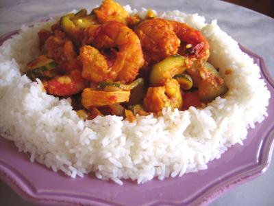 Image : Assiette de cari de crevette et courgette façon réunionnaise