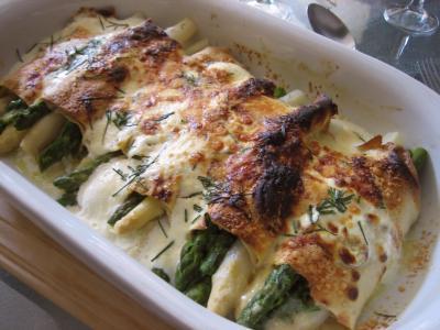 Cuisine diététique : Plat d'omelette aux asperges gratinées