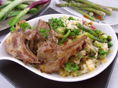 Image : Assiette d'ognasses au riz, asperges et agneau