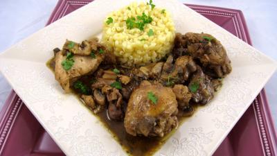 Image : Assiette de poulet à la lyonnaise