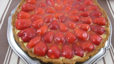 Image : Fête des Mères - Présentation de la tarte aux fraises