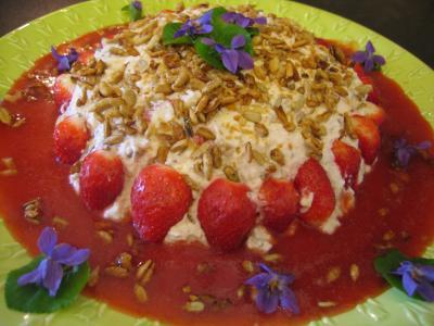 Recette Mousse aux graines de tournesol et son coulis de fraises