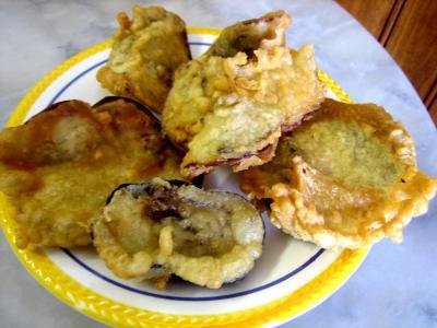 Cuisine corse : Assiette de beignets de fleurs de cougettes et aubergines
