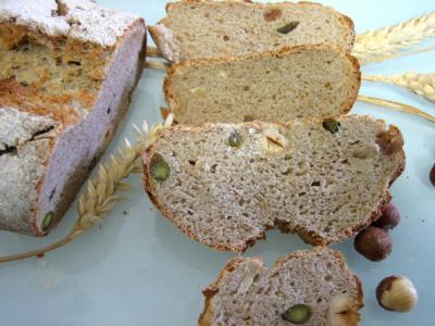 Pain à base de fruits : Pain de méteil aux pistaches et aux noisettes