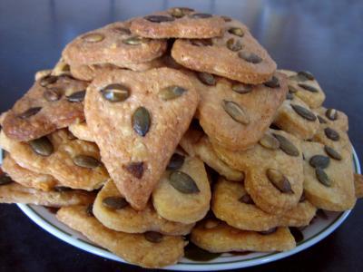 Biscuits salés au Cantal et graines de courge