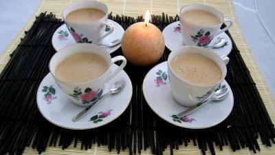 crème entière : Tasses de café au chocolat