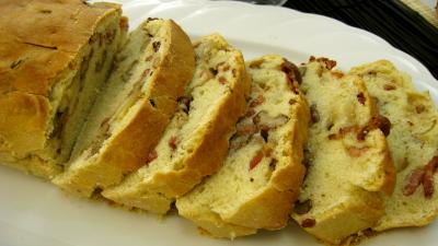 Tranches de cake aux noix