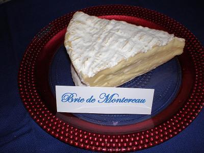Image : Brie de Montereau - Brie de montereau coupé