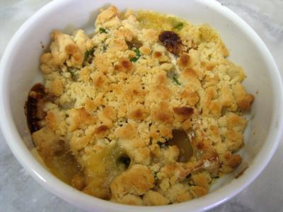 crumble salé : Crumble de camembert et sa salade