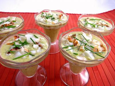 Cuisine diététique : Coupes de gaspacho de brocolis et de petits pois