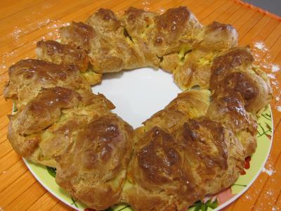 gougère : Sortie du four de la gougère au brie