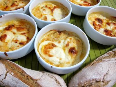 Cassolette de fromage selles sur cher supertoinette la for Entrees chaudes faciles