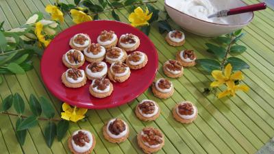 canapés aux noix