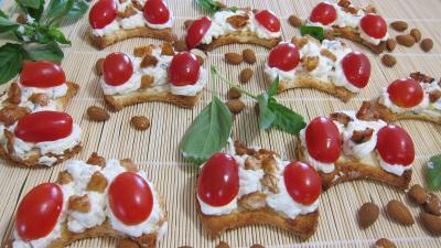 canapés : Croissants aux amandes à la ricotta