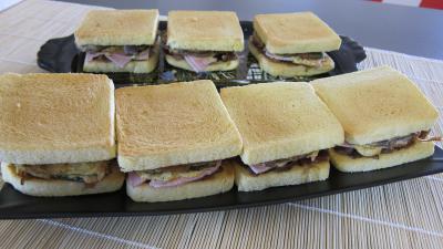 sandwichs : Plateau de sandwichs à l'aubergine et au jambon