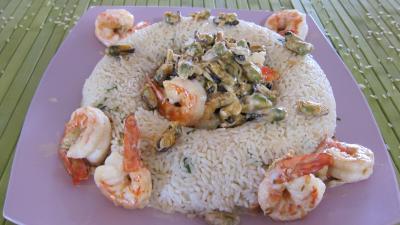 fumet de poisson : Plat de riz pilaf aux gambas à l'orientale revisité