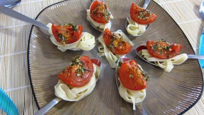lasagne : Assiette d'antipastis à la tomate