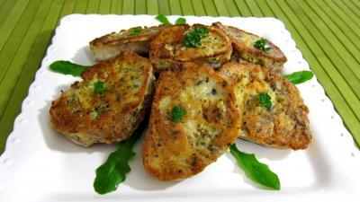 pain complet : Assiette de canapés aux oeufs